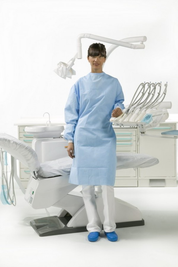 "Surgically folded Special Plus model gown and 2 hand towels wrapped in medical paper (length 44.13"" M)"